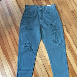 Green american eagle distressed mom jeans NWT
